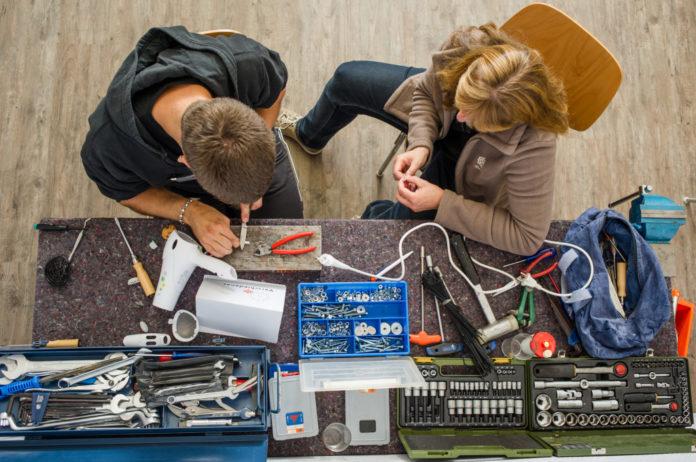 Repair Cafe ซ่อมทุกสิ่ง พร้อมช่างอาสารับปรึกษาและสอนซ่อมในชุมชน