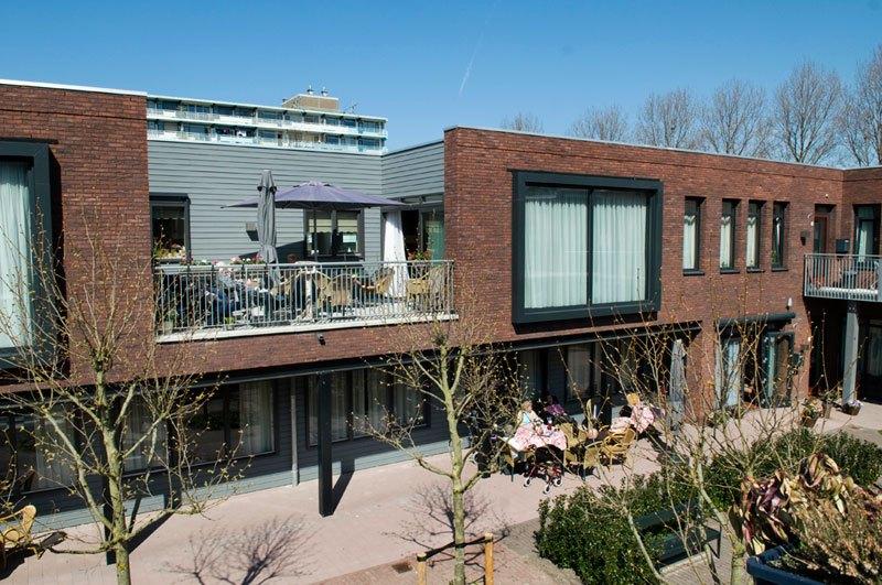 Hogewey Dementia Village ชุมชนแสนอบอุ่นสำหรับผู้ป่วยความจำเสื่อมในเนเธอร์แลนด์
