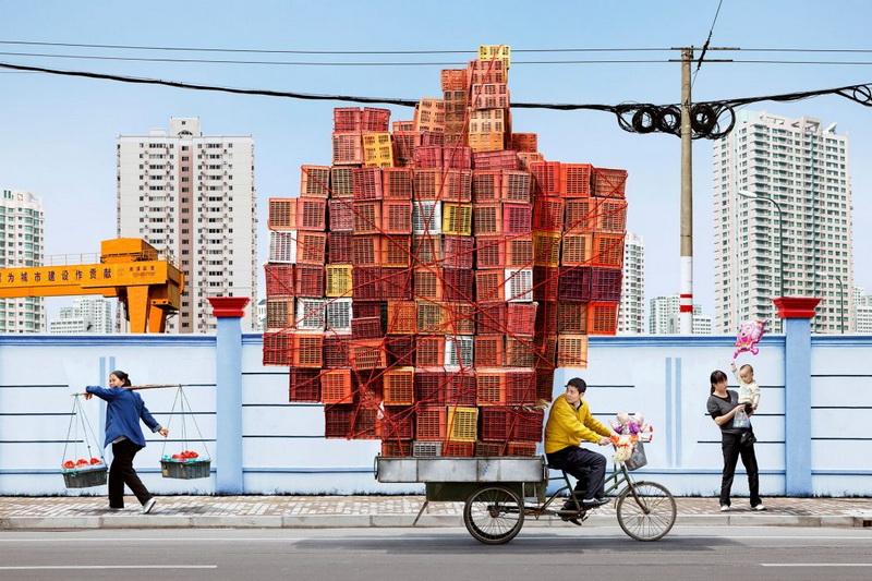 Totems: ชุดภาพถ่ายสะท้อนสังคมบริโภคในจีนที่กระเพื่อมเตือนทั้งโลก