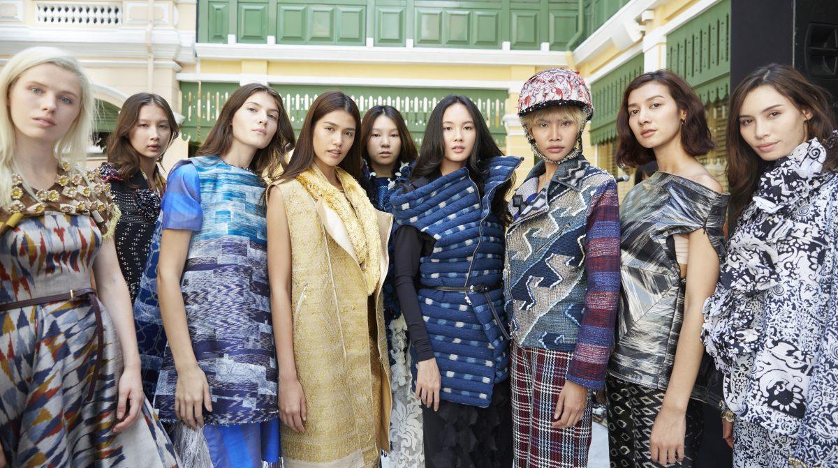 เมื่อดีไซเนอร์รุ่นใหม่ เปลี่ยนโฉมผ้าไทยให้ดูร่วมสมัยในคอลเลกชั่นพิเศษ