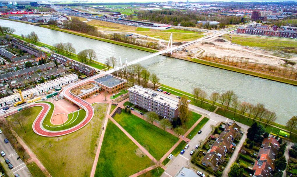 Dafne Schippers สะพานอเนกประสงค์ เชื่อมย่านเก่ากับเมืองใหม่ในอัมสเตอร์ดัม