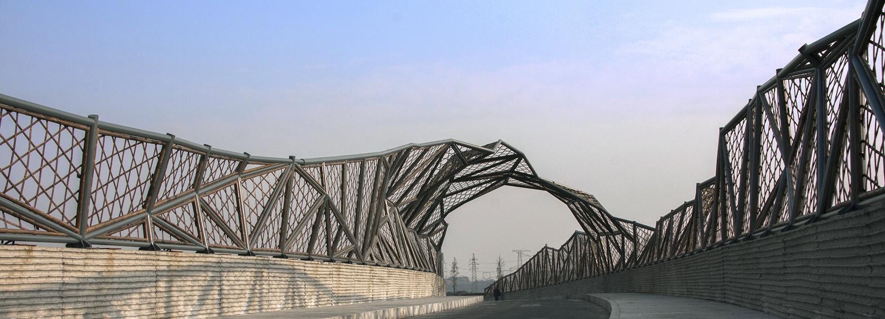 สะพานไม้ไผ่ในจีนสะท้อนภูมิปัญญาท้องถิ่น เสริมงานฝีมือสร้างอาชีพให้ชุมชน