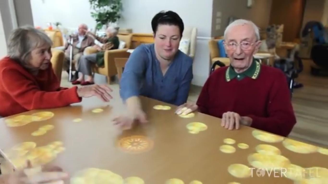 Tovertafel Original เกมส์อินเทอร์แอคทีฟสำหรับผู้สูงอายุความจำเสื่อม