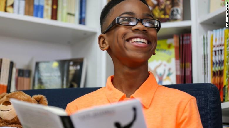 เด็กชายวัย 11 ขวบก่อตั้งกลุ่ม Books n Bros ส่งเสริมเด็กรักการอ่านวัยเดียวกัน