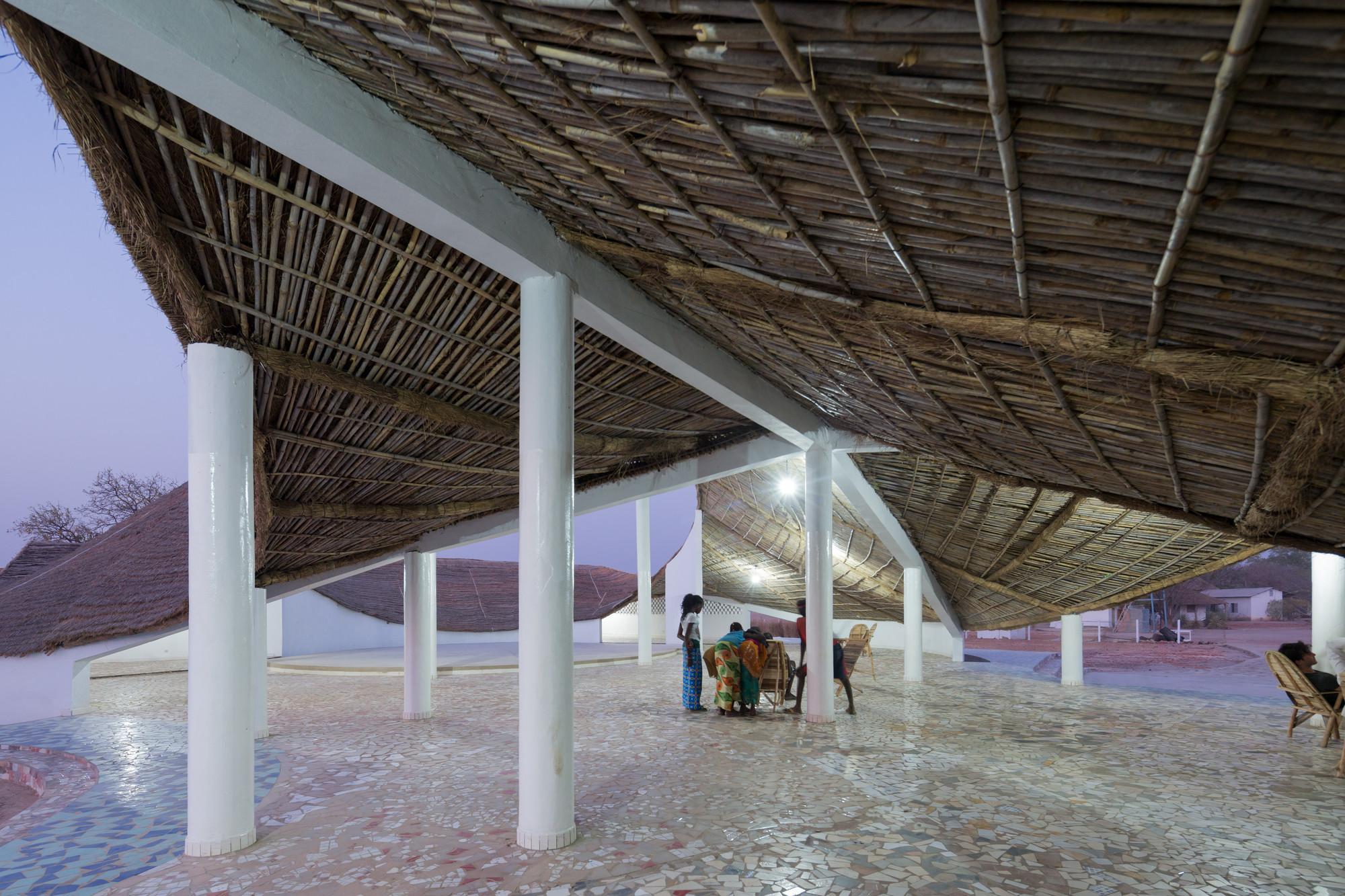 ศูนย์วัฒนธรรมชุมชนในเซเนกัล ดีไซน์สวยแปลกตา..แฝงไว้ด้วยภูมิปัญญาท้องถิ่น