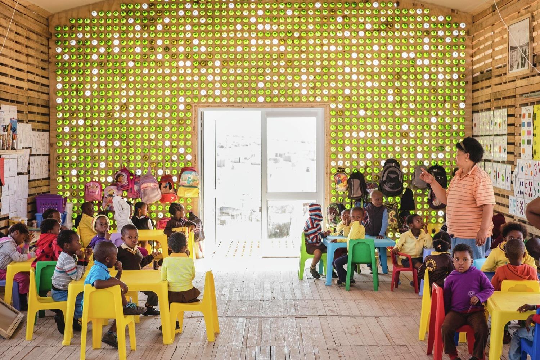 สถานรับเลี้ยงเด็กก่อนวัยเรียนในแอฟริกา เพิ่มประโยชน์ใช้สอยสูงสุดให้ชุมชนแบบเนียนๆ