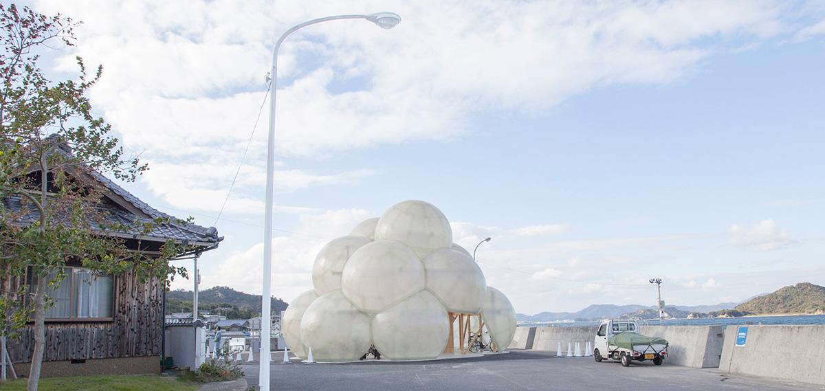 อาคารก้อนเมฆ..ที่พักผู้โดยสารแห่งใหม่บนเกาะอาร์ตๆ อย่าง Naoshima