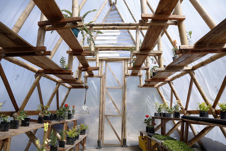 Huertomanias ต้นแบบโรงเรือนปลูกผักสำหรับคนเมือง ราคาประหยัด สร้างจากวัสดุท้องถิ่น