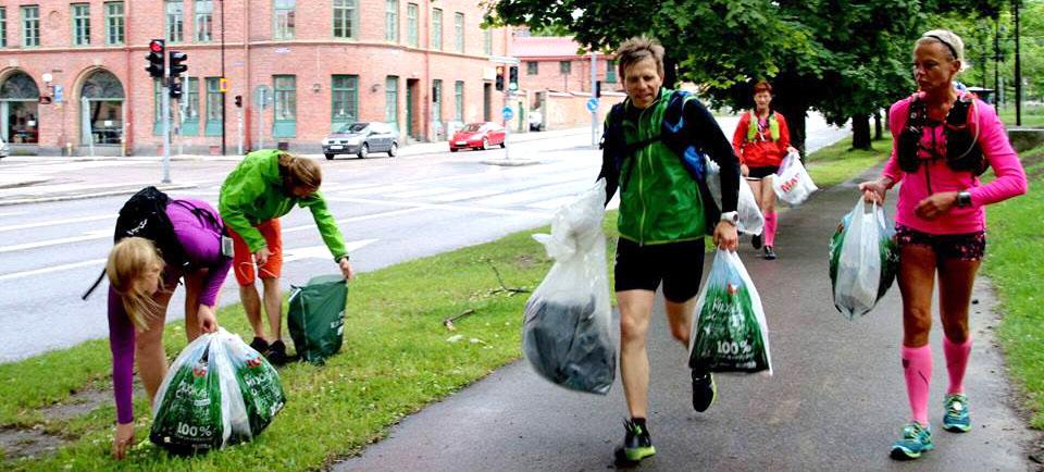 Plogging เทรนด์วิ่งสุดฮ็อต! ชวนนักวิ่ง 'เก็บขยะ' รักษาความสะอาดทั่วโลก