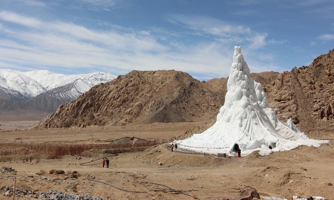 วิศวกรอินเดียสร้าง 'เจดีย์น้ำแข็ง' เป็นแหล่งน้ำเพื่อการเกษตร