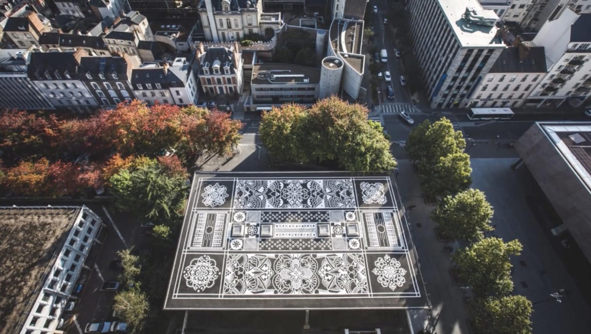 ปูเมืองด้วยพรมสวย..เชื่อมโลกเก่าเข้ากับโลกใหม่ผ่านศิลปะลายเส้นของวัฒนธรรม