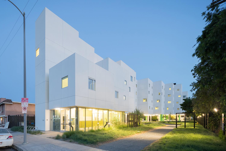 Crest Apartments อพาร์ทเม้นท์สำหรับคนไร้บ้าน สร้างชุมชนน่าอยู่แบบครบวงจร