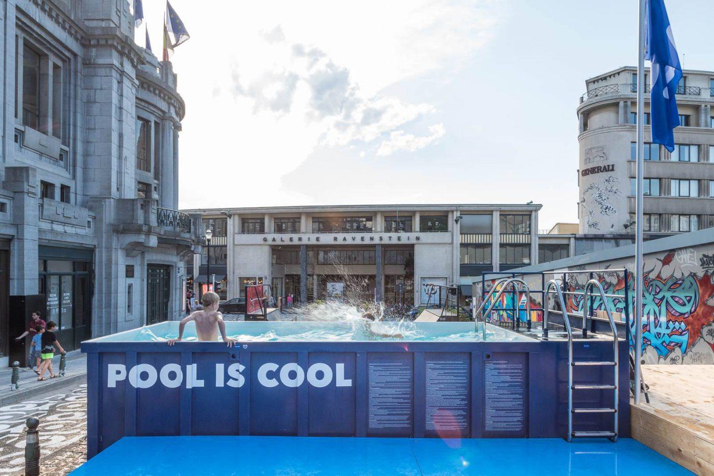 Pool is Cool อีเวนท์กองโจรในบรัสเซล ชวนชาวเมืองมากระโดดนำ้เล่นให้เย็นใจ