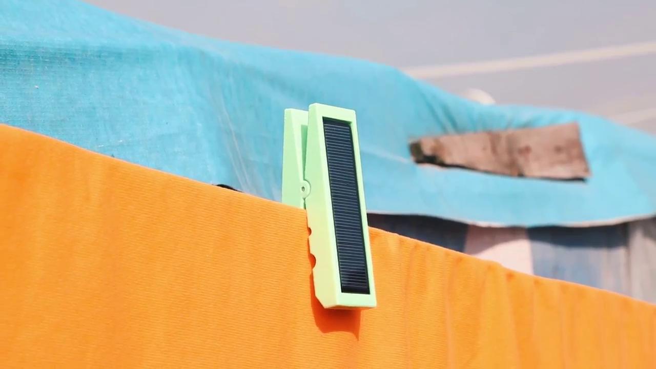 Light Pin ไม้หนีบผ้าโซลาร์เซลล์เก็บพลังตอนกลางวัน ใช้เป็นไฟส่องสว่างยามมืดค่ำ