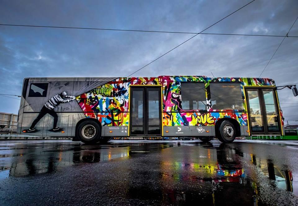 Nuart Festival ในนอร์เวย์พาผู้คนชมเมืองศิลปะไปกับรถบัสอาร์ตสวยๆ