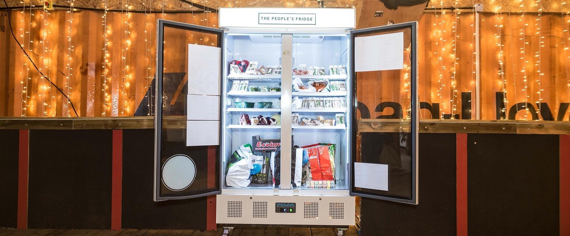 The People's Fridge ตู้เย็นสาธารณะ เหลือเอามาแบ่ง อยากได้อะไรให้มาหยิบ