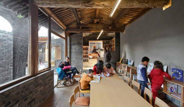 'ห้องสมุดและศูนย์ศิลปะเด็กหูต่ง' เชื่อมชุมชนเก่า 400 ปีเข้ากับโลกใหม่ด้วยการเรียนรู้