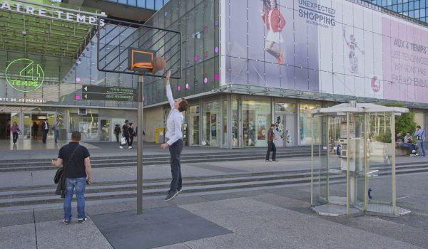 เปลี่ยนป้ายบอกทางในปารีสให้เป็นมุมเล่นกีฬาสนุกๆ กระตุ้นคนเมืองให้ออกกำลังกาย