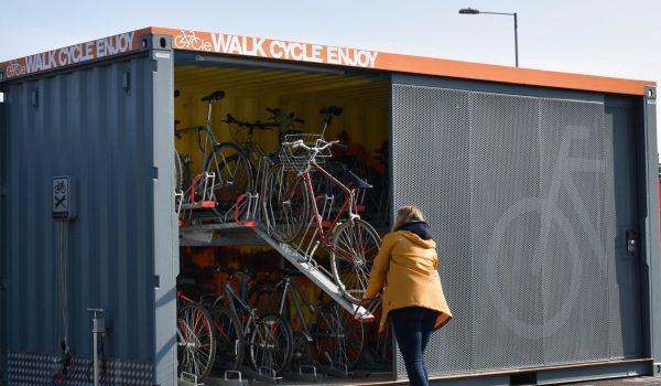 ตู้จอดจักรยานพลังงานแสงอาทิตย์ สะดวก ปลอดภัย สร้างสรรค์ ไม่เหมือนใคร