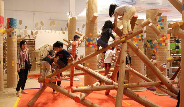 Forest of Play นิทรรศการเล่นได้ขนาดใหญ่กลางเมือง ส่งเสริมพัฒนาการของเด็กรอบด้าน