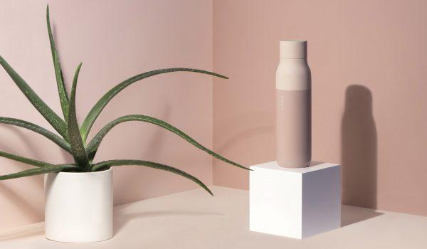 LARQ ขวดน้ำสีสวยช่วยลดพลาสติกแบบเก๋ๆ พร้อมระบบทำความสะอาดขวดและน้ำในตัว