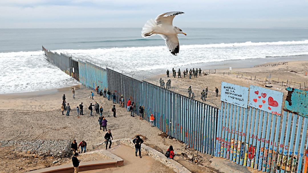 The Mural of Brotherhood: กำแพงอาจกีดกั้นจากกัน แต่มิตรภาพผูกพันมิอาจหาย