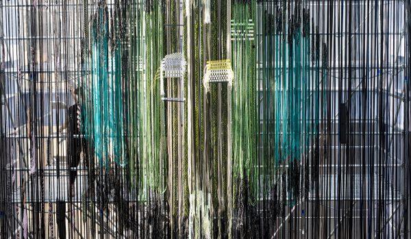 Interlace: textile research งานศิลปะแสดงภาพรวมธุรกิจสิ่งทอและแฟชั่นในสังคมบริโภค