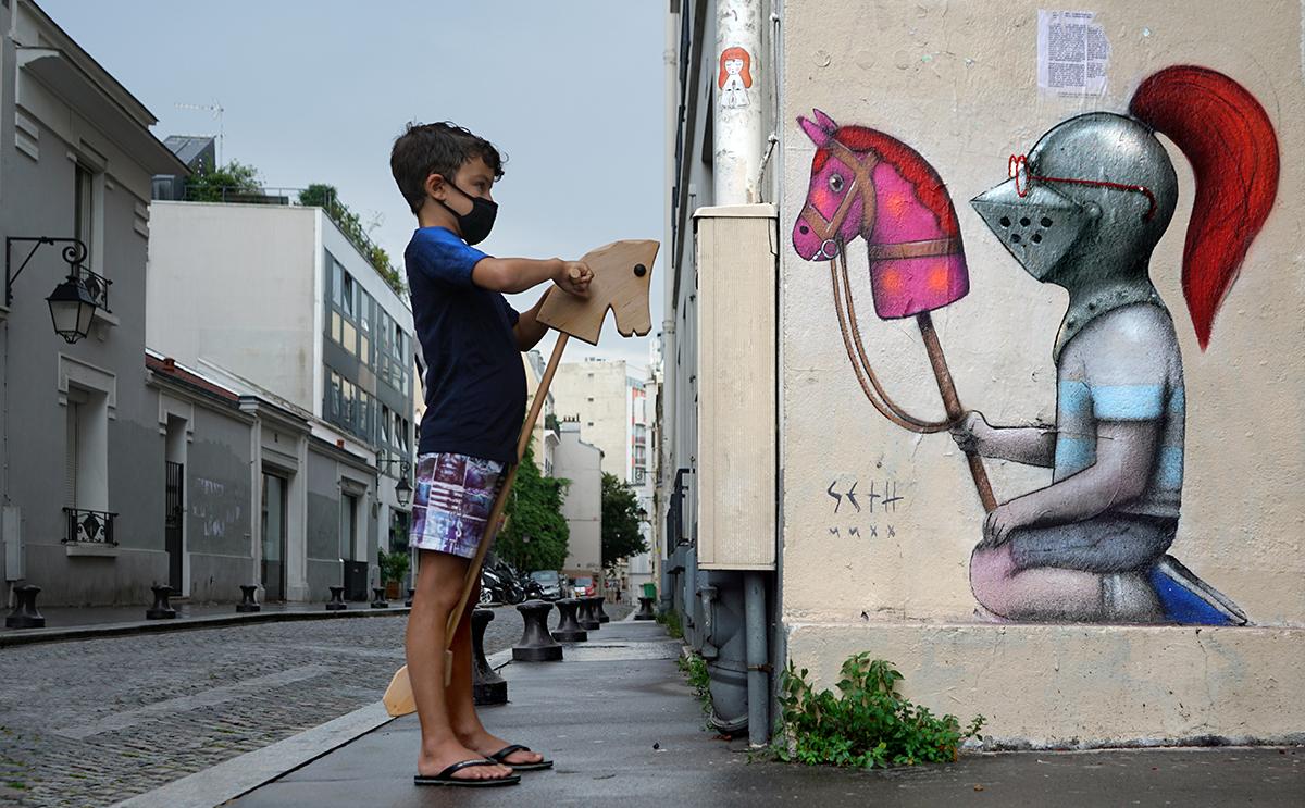 Seth Globepainter กับผลงานนักรบเด็กบนกำแพงทำสงครามใฝ่หาเสรีภาพกับโรคระบาดโควิด-19