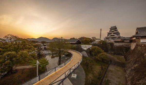 ปราสาท Kumamoto หลังแผ่นดินไหวใช้เวลาบูรณะใหม่ 20 ปี แต่ด้วยไอเดียดีๆ ทำให้ซ่อมไปก็ชมได้ด้วย