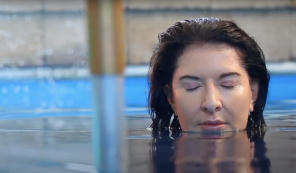 'Rising' ศิลปะตระหนักรักษ์โลกผ่านเกม VR ของ Marina Abramovic กับภารกิจช่วยเธอจากการจมน้ำท่วมโลก