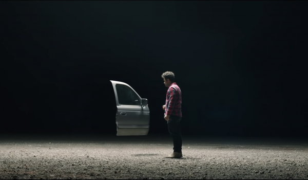 โฆษณาชุด DOORS เปิดประตูผิดชีวิตเปลี่ยน เตือนนักดื่มเมาไม่ขับ ชวนเปิดประตูรถแท๊กซี่กลับบ้าน