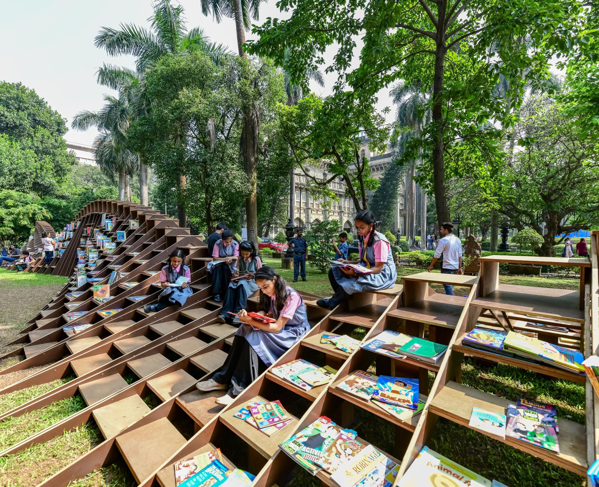 BookWorm Pavilion ห้องสมุดตัวหนอน เดินทางทั่วอินเดียเพื่อส่งเสริมการอ่าน