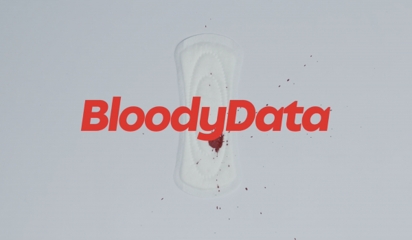 """แคมเปญสีเลือด """"The Bloody Data"""" เผยสถิติผู้หญิงถูกฆ่าเปรียบเทียบกับเลือดประจำเดือน"""