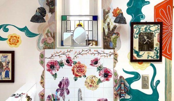 ศิลปิน Nathalie Lété ใช้เวลากักตัวช่วงโควิดเพนต์บ้านให้เป็นสวนสวยในนิยาย